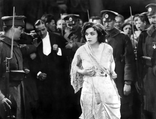 1927 Pola Negri in Hotel Imperial