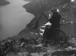 OVER BESSEGGEN PÅ MOTORCYKKEL (On Motorcycle Over Besseggen) (NO1929)